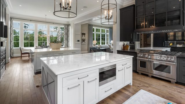1150 W Garmon Rd, Atlanta, GA, USA - Kitchen Islands and Gas Range - Luxury Real Estate - Buckhead Estate Home