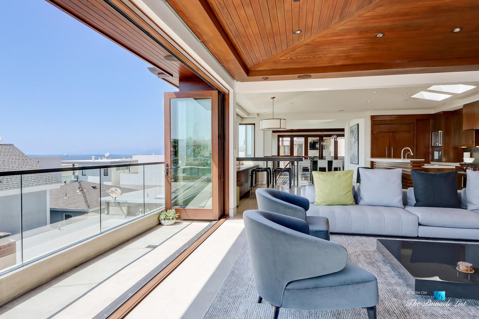Luxury Real Estate - 205 20th Street, Manhattan Beach, CA, USA - Living Room View