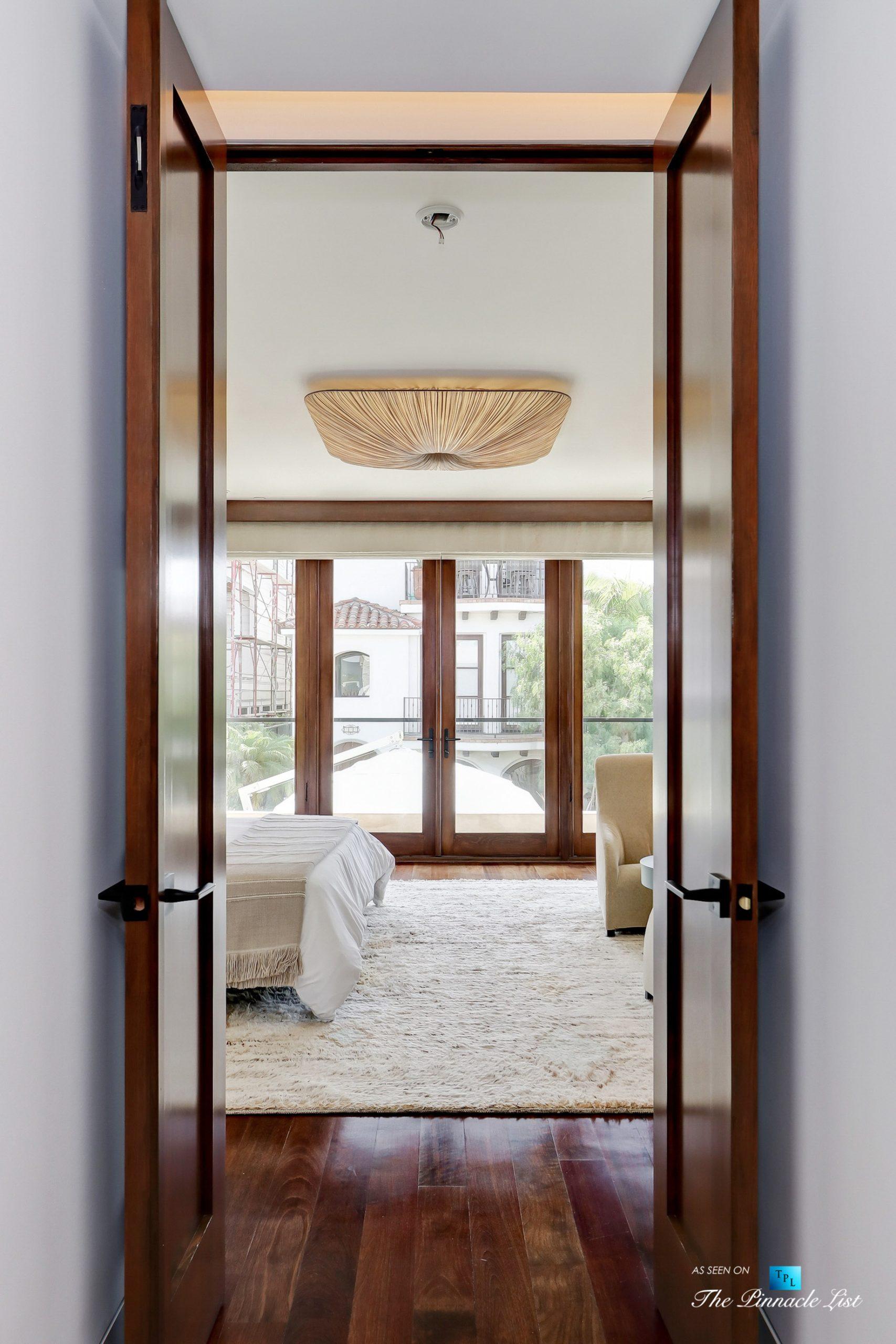 205 20th Street Manhattan Beach Ca Usa Master Bedroom Entrance Luxury Real Estate Ocean View Home The Pinnacle List