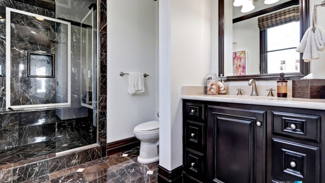 Luxury Real Estate - 1920 The Strand, Manhattan Beach, CA, USA - Bathroom