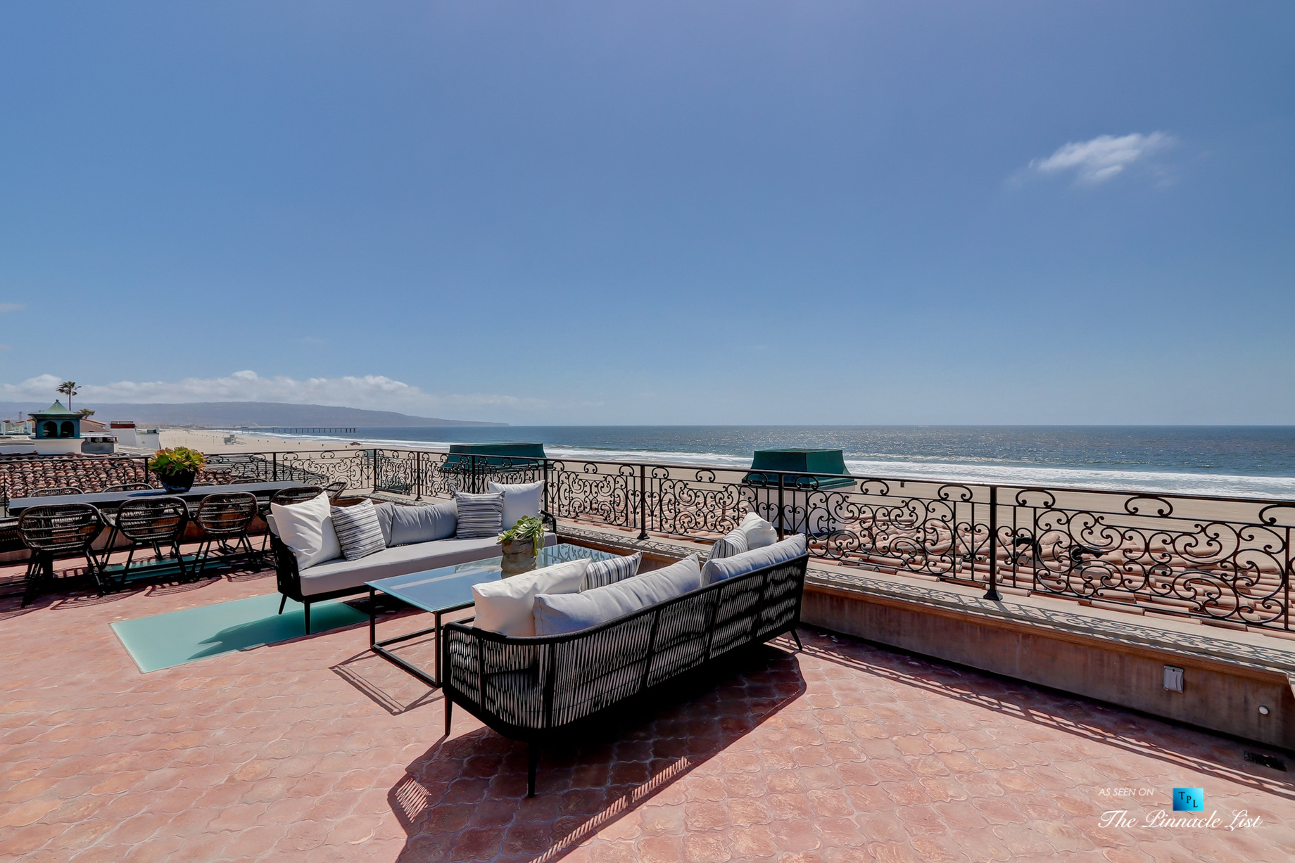 2806 The Strand, Hermosa Beach, CA, USA - Rooftop Deck Lounge - Luxury Real Estate - Oceanfront Home