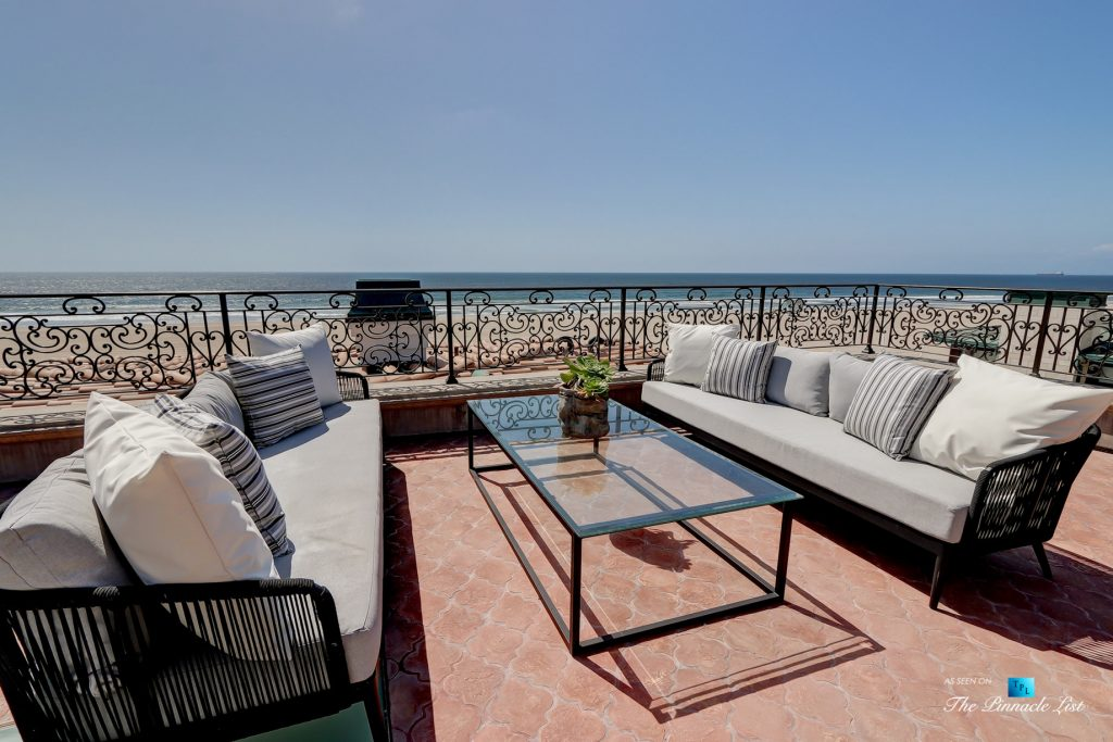 2806 The Strand, Hermosa Beach, CA, USA - Rooftop Deck Lounge Seating - Luxury Real Estate - Oceanfront Home