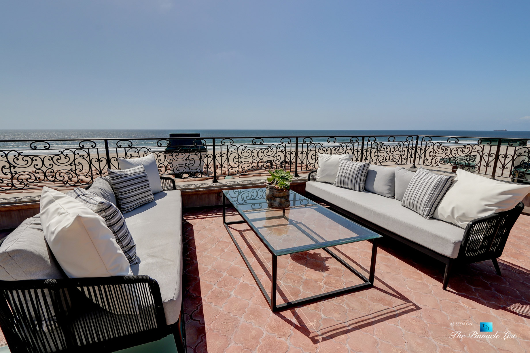 2806 The Strand, Hermosa Beach, CA, USA – Rooftop Deck Lounge Seating – Luxury Real Estate – Oceanfront Home