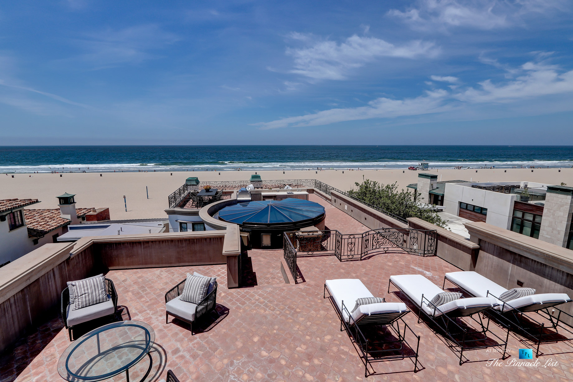 Luxury Real Estate - 2806 The Strand, Hermosa Beach, CA, USA - Rooftop Sundeck Recliners
