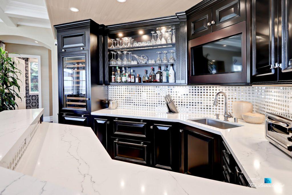 Luxury Real Estate - 1920 The Strand, Manhattan Beach, CA, USA - Beach Room Bar