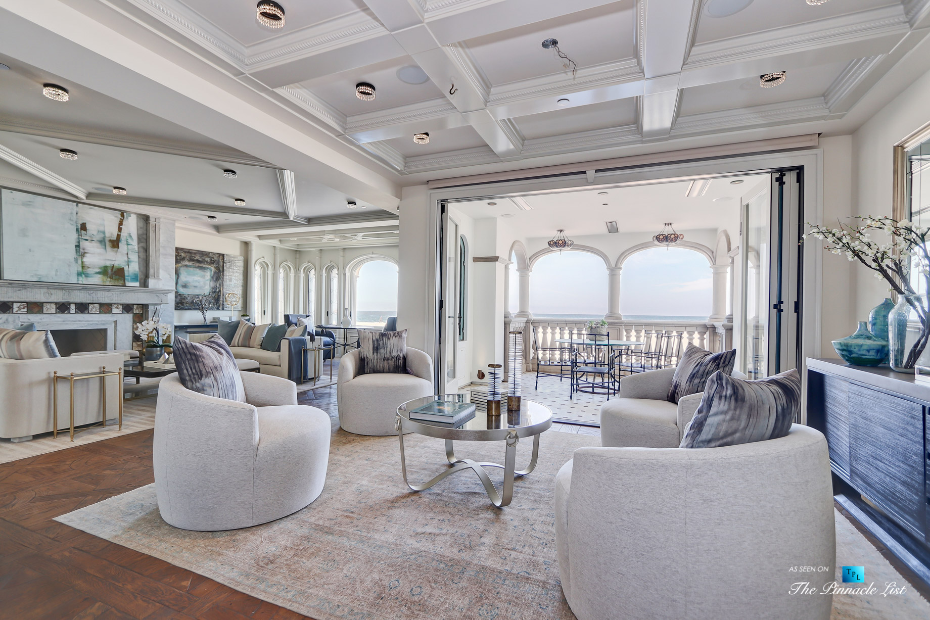 2806 The Strand, Hermosa Beach, CA, USA – Living Room Sitting Area – Luxury Real Estate – Oceanfront Home