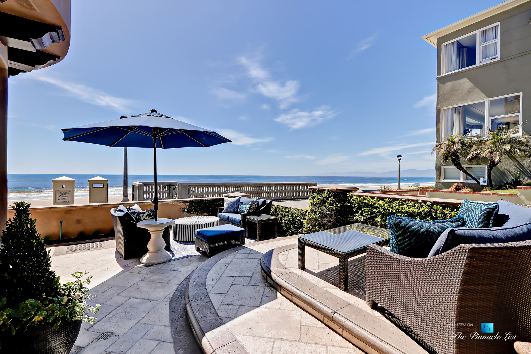 Luxury Real Estate – 1920 The Strand, Manhattan Beach, CA, USA – Front Patio View