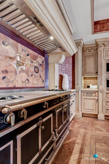 2806 The Strand, Hermosa Beach, CA, USA - Kitchen Gas Range - Luxury Real Estate - Oceanfront Home