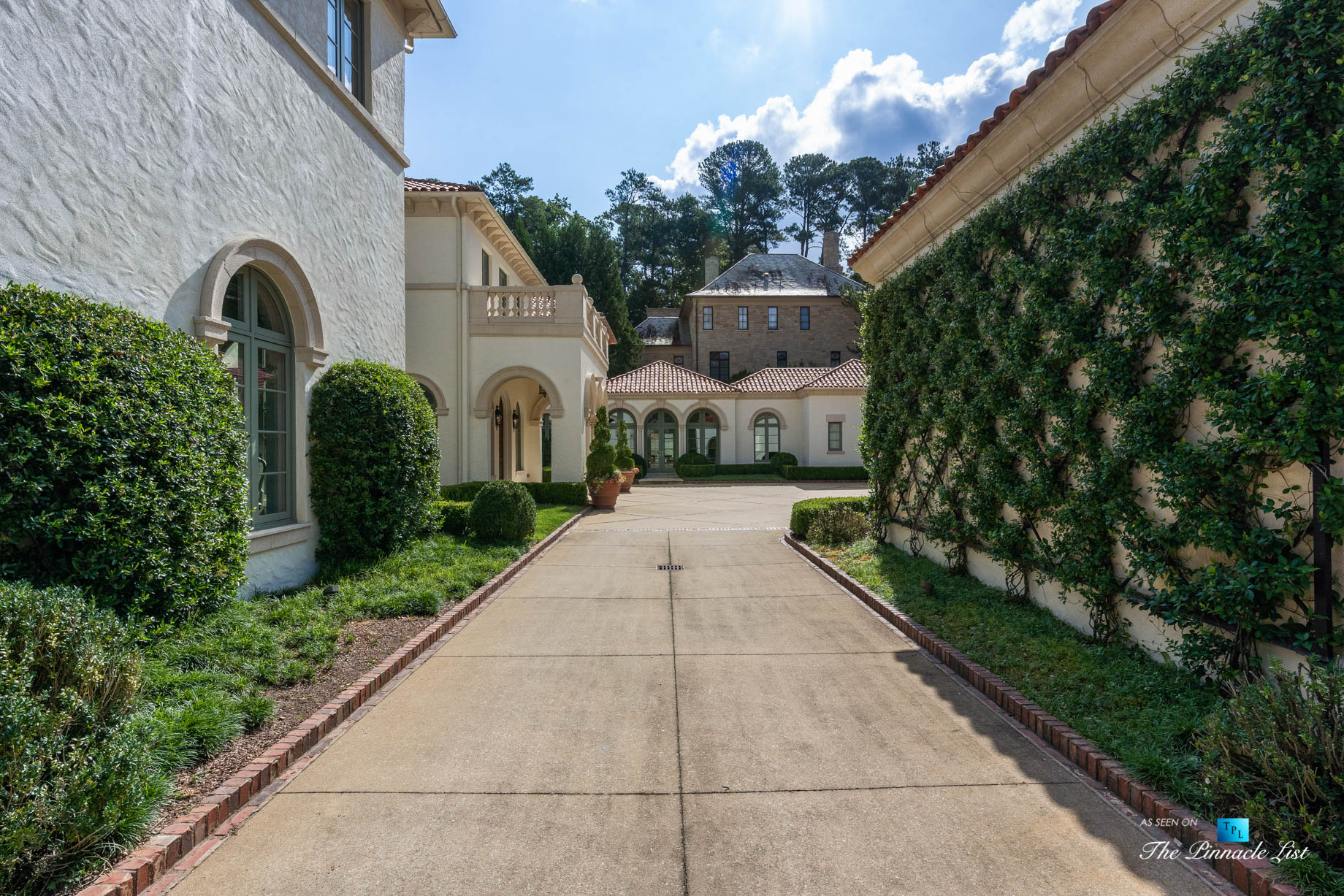 439 Blackland Rd NW, Atlanta, GA, USA – Inner Courtyard Side Driveway – Luxury Real Estate – Tuxedo Park Mediterranean Mansion Home