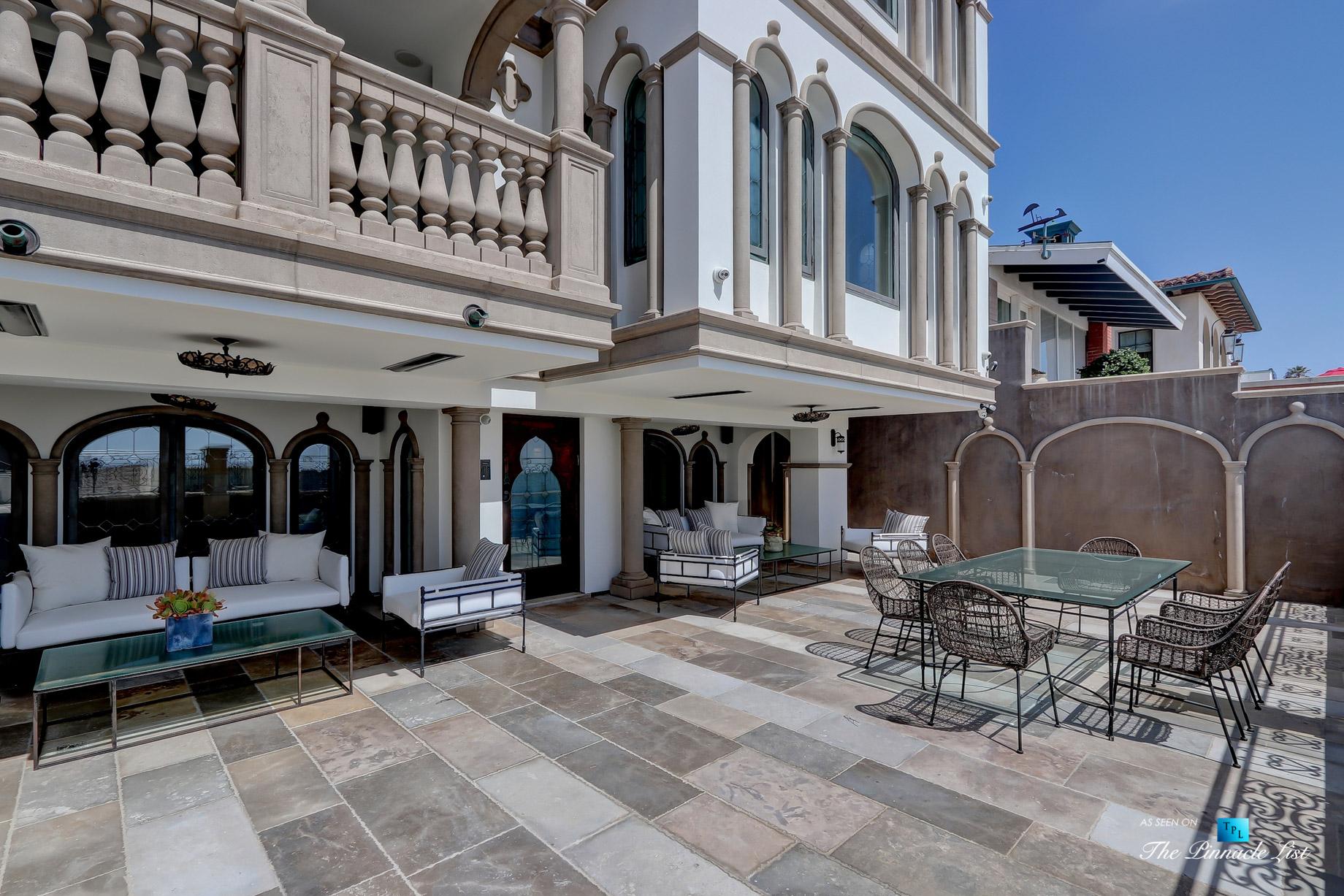 Luxury Real Estate - 2806 The Strand, Hermosa Beach, CA, USA - Beachfront Patio