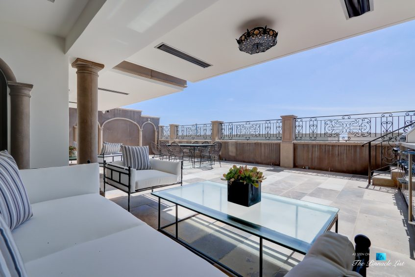 2806 The Strand, Hermosa Beach, CA, USA - Beachfront Patio Lounge - Luxury Real Estate - Oceanfront Home