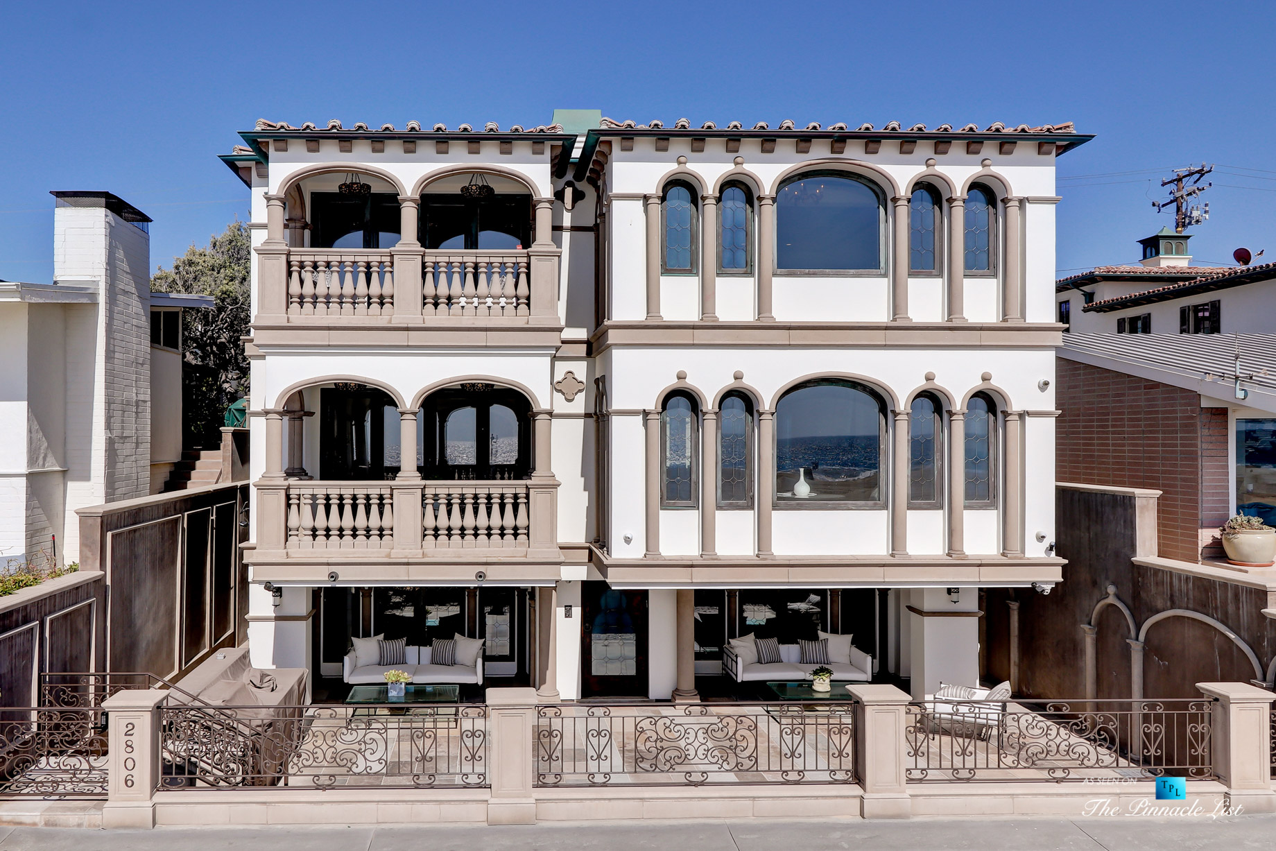 Luxury Real Estate - 2806 The Strand, Hermosa Beach, CA, USA - Front