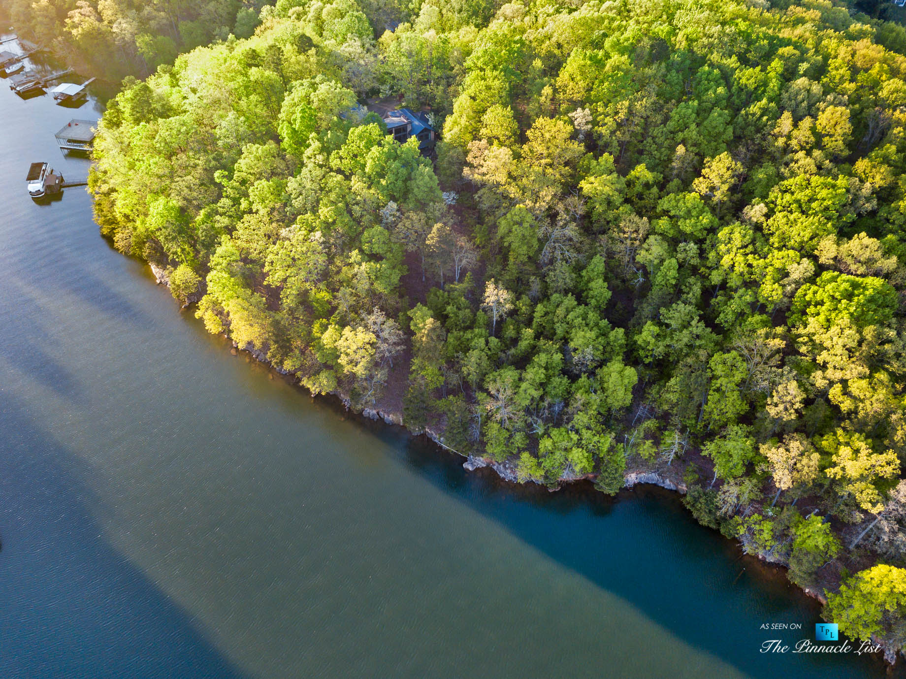 7860 Chestnut Hill Rd, Cumming, GA, USA – Drone Aerial View – Luxury Real Estate – Lake Lanier Mid-Century Modern Stone Home