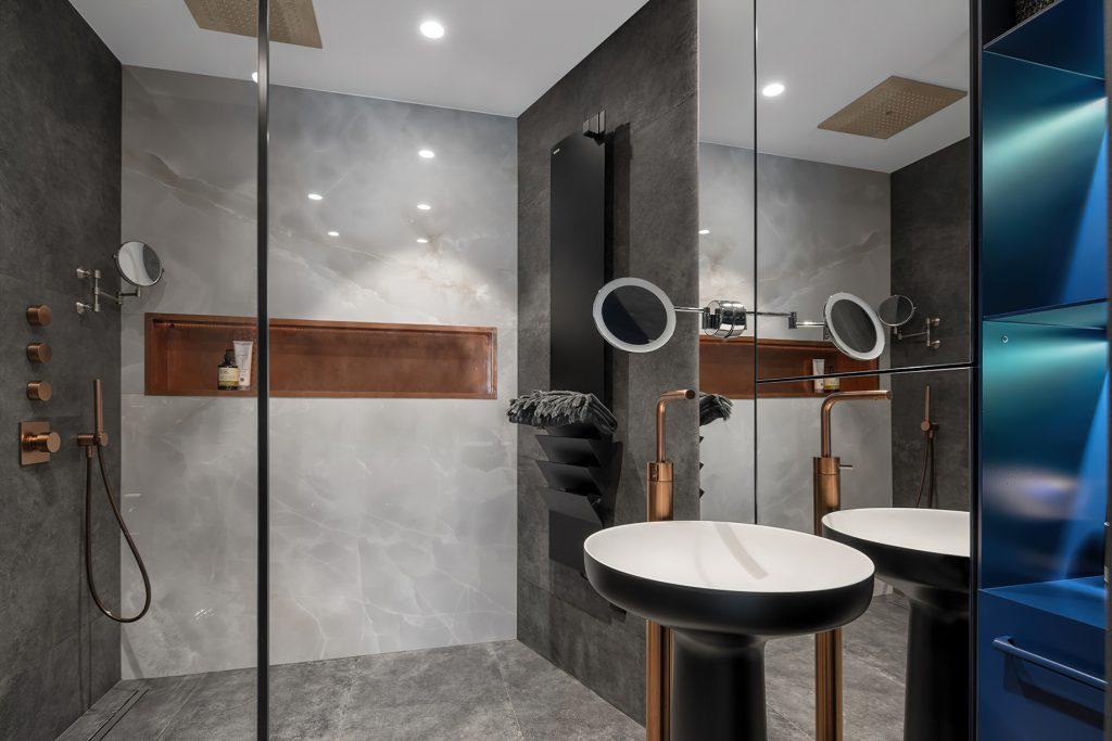 Black is Back Apartment Interior Design Kiev, Ukraine - 33bY Architecture