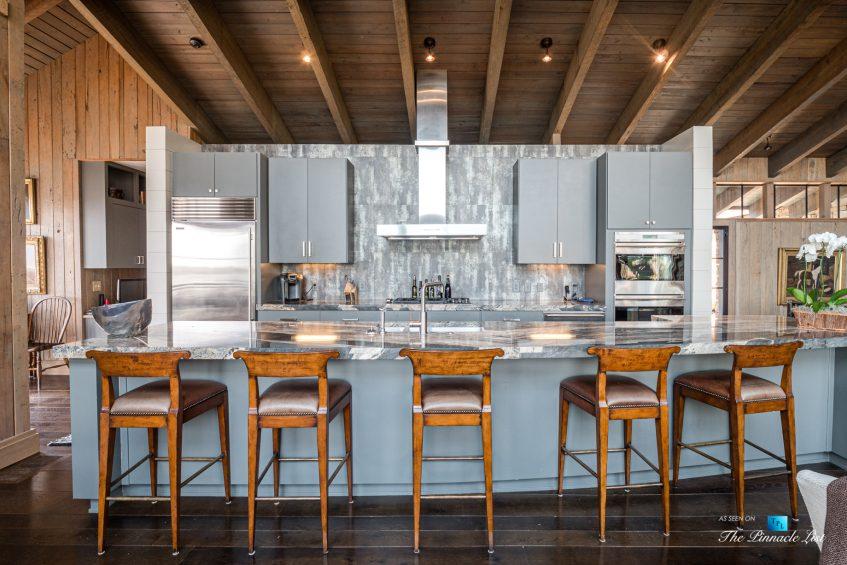 7860 Chestnut Hill Rd, Cumming, GA, USA - Kitchen - Luxury Real Estate - Lake Lanier Mid-Century Modern Stone Home