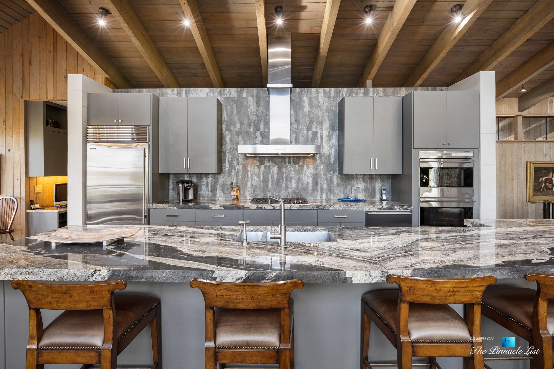 7860 Chestnut Hill Rd, Cumming, GA, USA – Kitchen – Luxury Real Estate – Lake Lanier Mid-Century Modern Stone Home