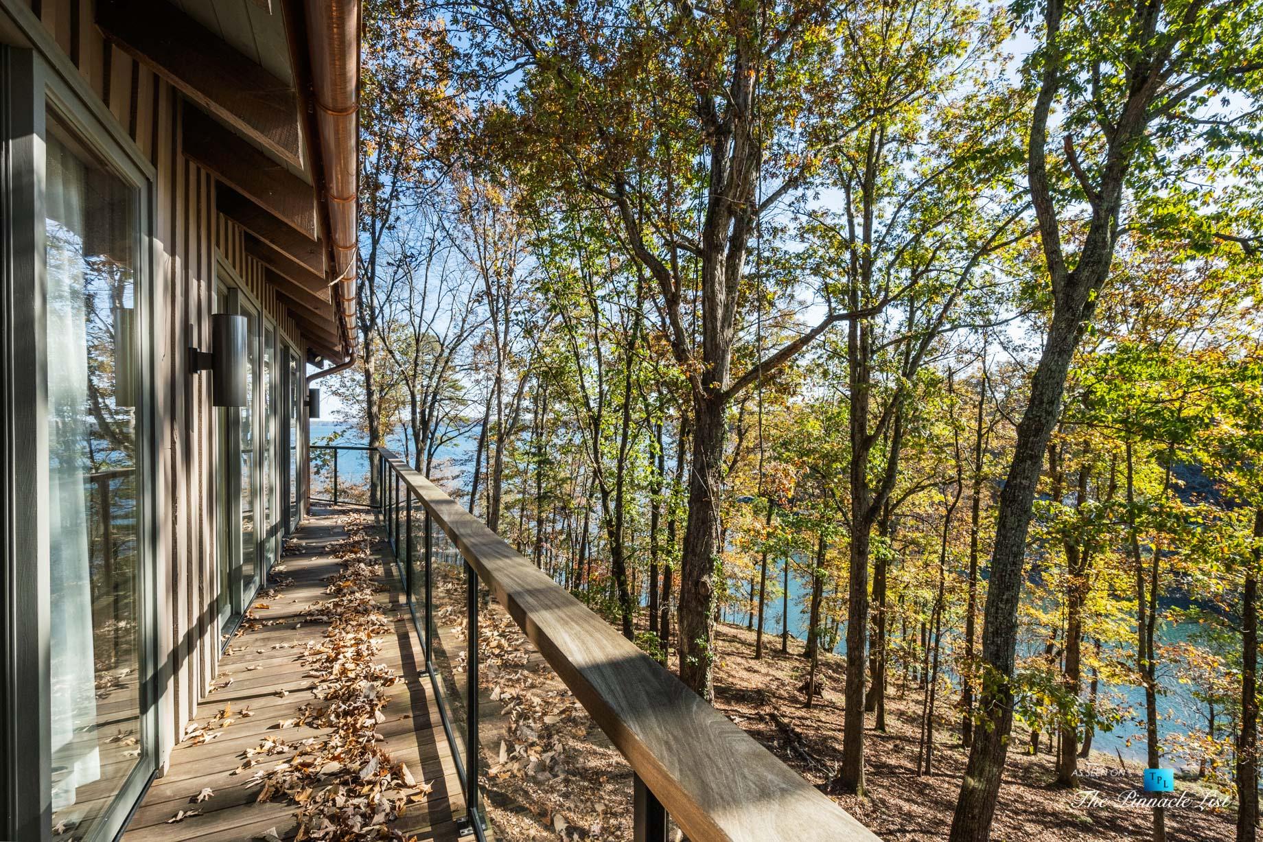 7860 Chestnut Hill Rd, Cumming, GA, USA – Deck Lake View – Luxury Real Estate – Lake Lanier Mid-Century Modern Stone Home
