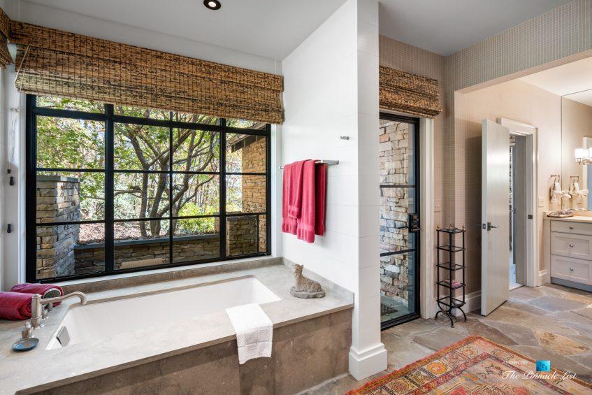 7860 Chestnut Hill Rd, Cumming, GA, USA - Master Bathroom - Luxury Real Estate - Lake Lanier Mid-Century Modern Stone Home