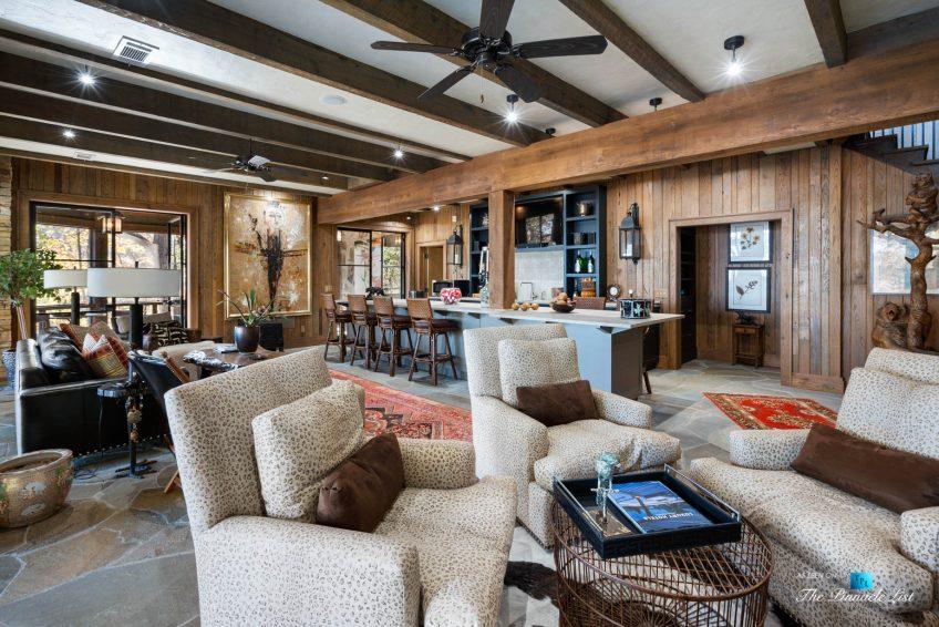7860 Chestnut Hill Rd, Cumming, GA, USA - Recreation Room Sitting Area and Bar - Luxury Real Estate - Lake Lanier Mid-Century Modern Stone Home