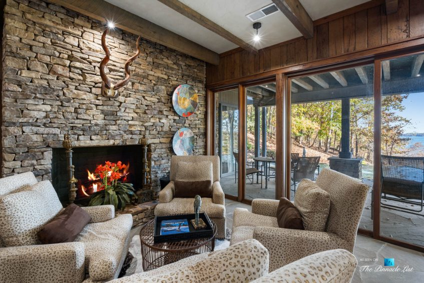 7860 Chestnut Hill Rd, Cumming, GA, USA - Recreation Room Sitting Area - Luxury Real Estate - Lake Lanier Mid-Century Modern Stone Home