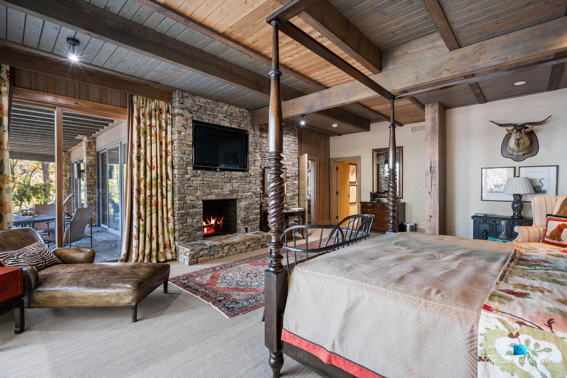 7860 Chestnut Hill Rd, Cumming, GA, USA – Bedroom – Luxury Real Estate – Lake Lanier Mid-Century Modern Stone Home