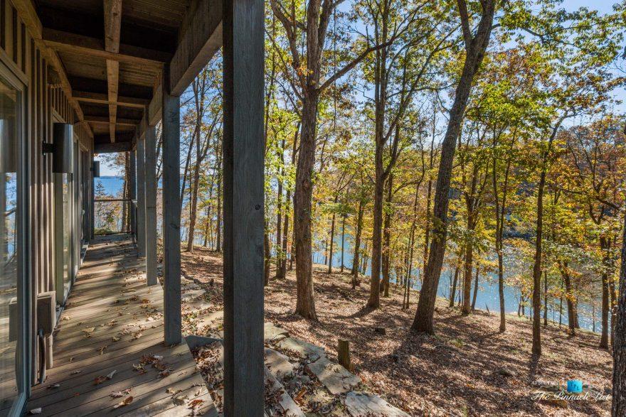 7860 Chestnut Hill Rd, Cumming, GA, USA - House Lake View - Luxury Real Estate - Lake Lanier Mid-Century Modern Stone Home