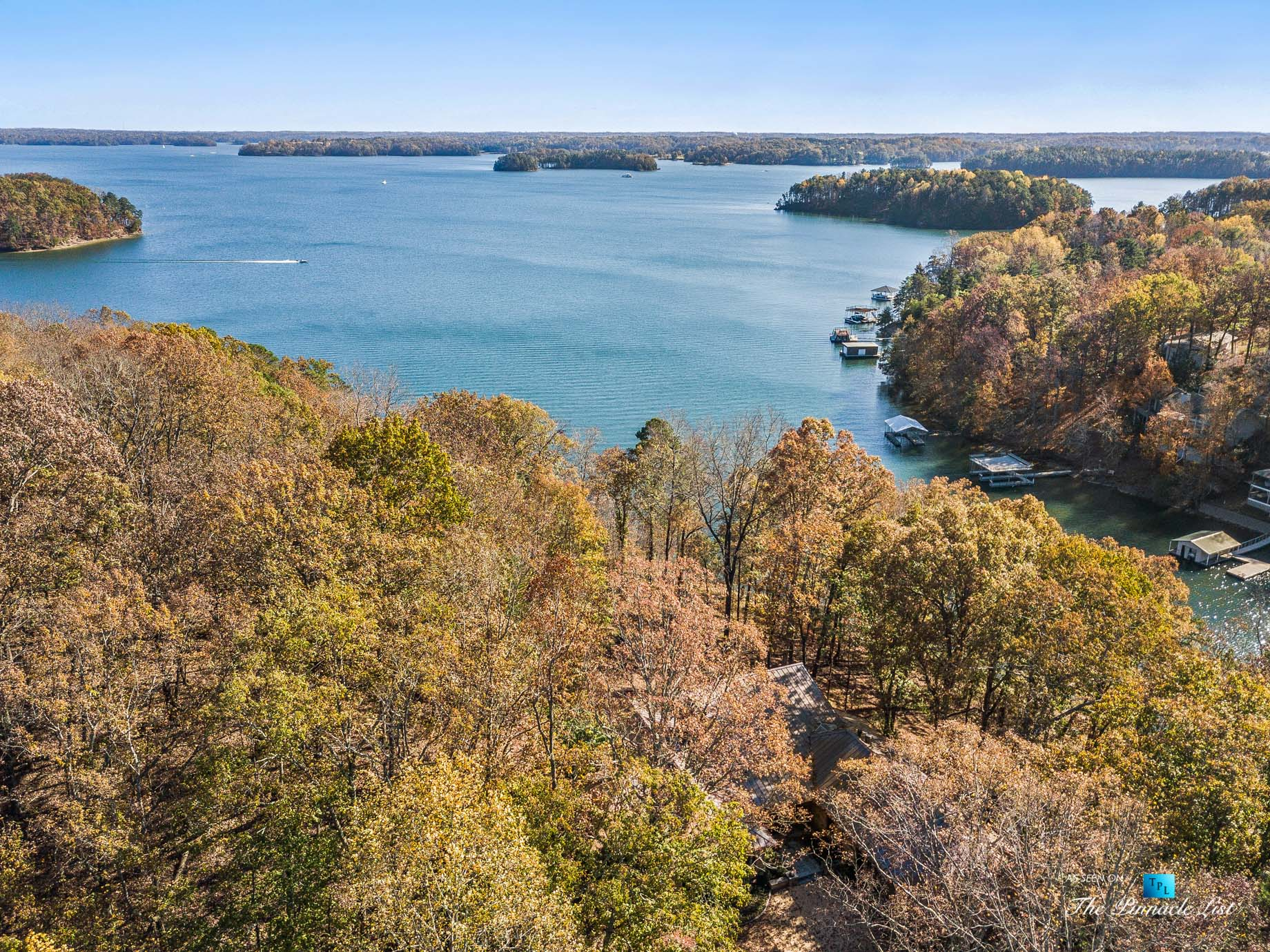 7860 Chestnut Hill Rd, Cumming, GA, USA – Drone Aerial Lake View – Luxury Real Estate – Lake Lanier Mid-Century Modern Stone Home