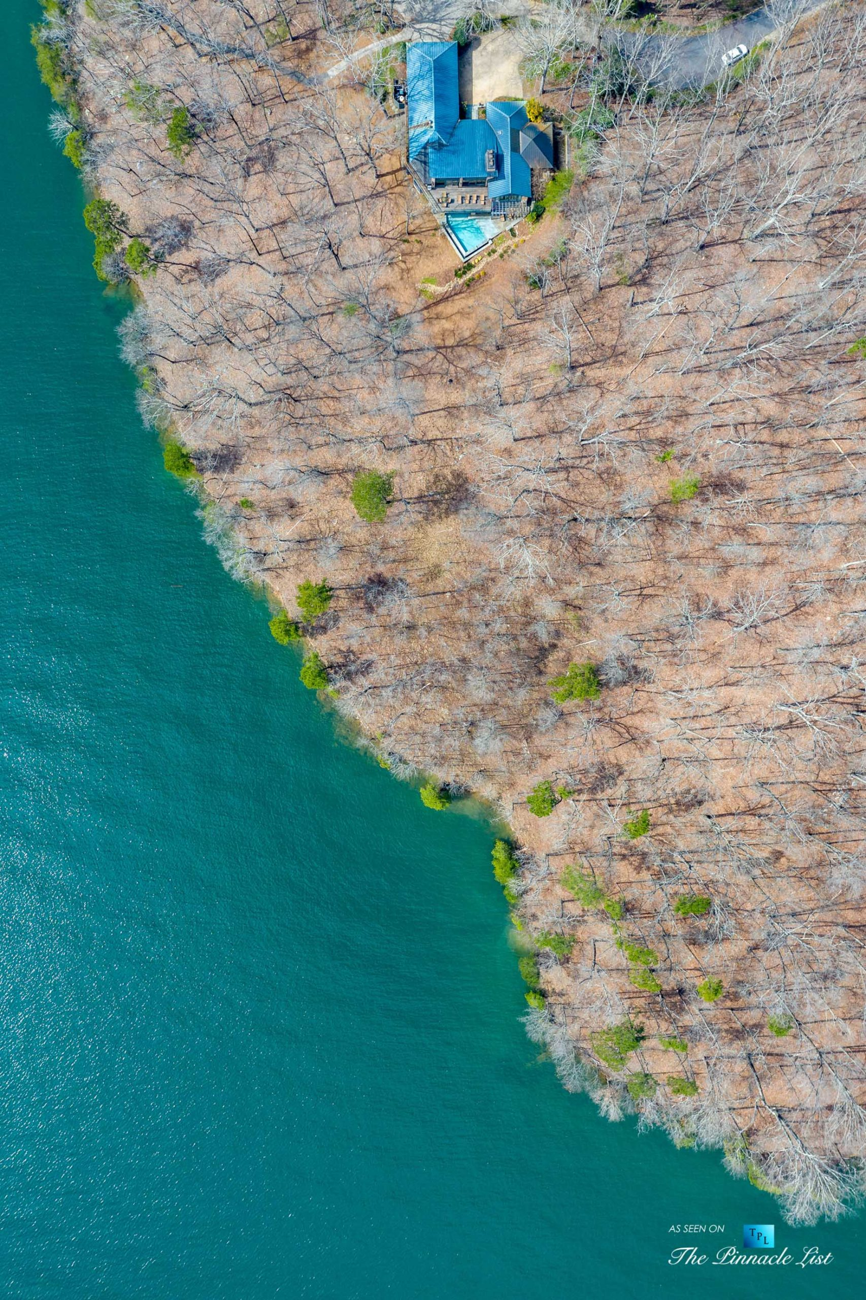 7860 Chestnut Hill Rd, Cumming, GA, USA – Drone Overhead Aerial View – Luxury Real Estate – Lake Lanier Mid-Century Modern Stone Home