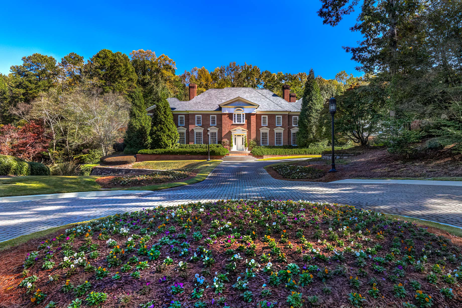 One of Atlanta's Highest Sales of 2021 – 4615 Northside Drive Sold by Debra Johnston