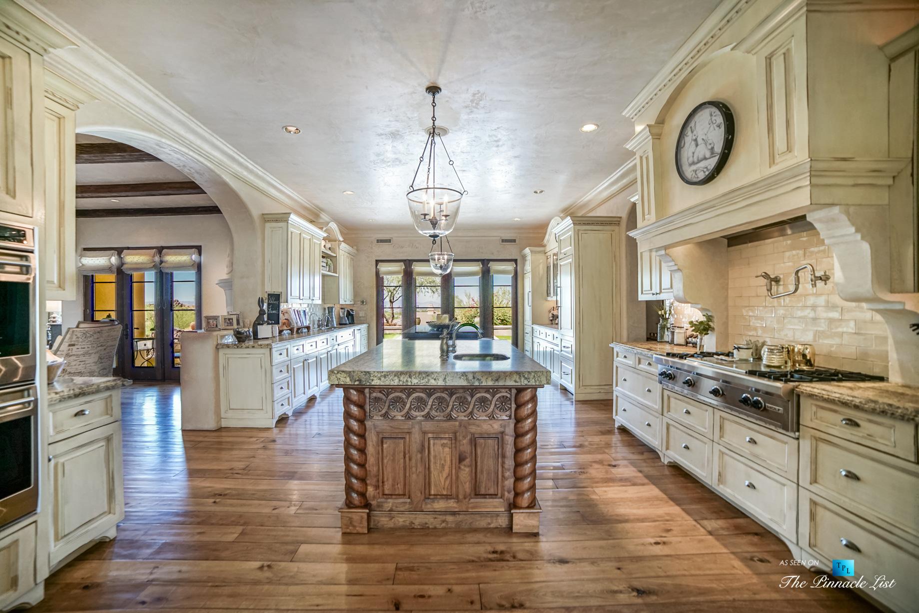 6539 N 31st Pl, Phoenix, AZ, USA - Kitchen - Luxury Real Estate - Biltmore Mountain Estates - Spanish Colonial Home