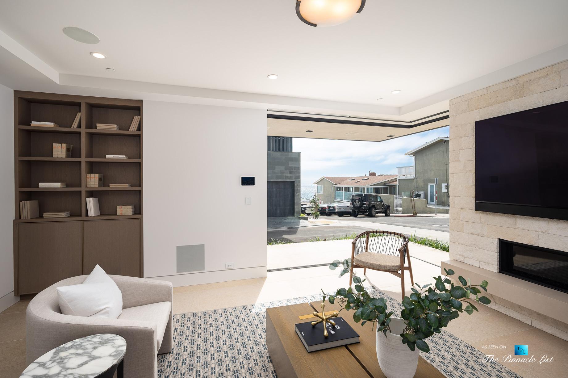 2016 Ocean Dr, Manhattan Beach, CA, USA - Family Room - Luxury Real Estate - Modern Ocean View Home