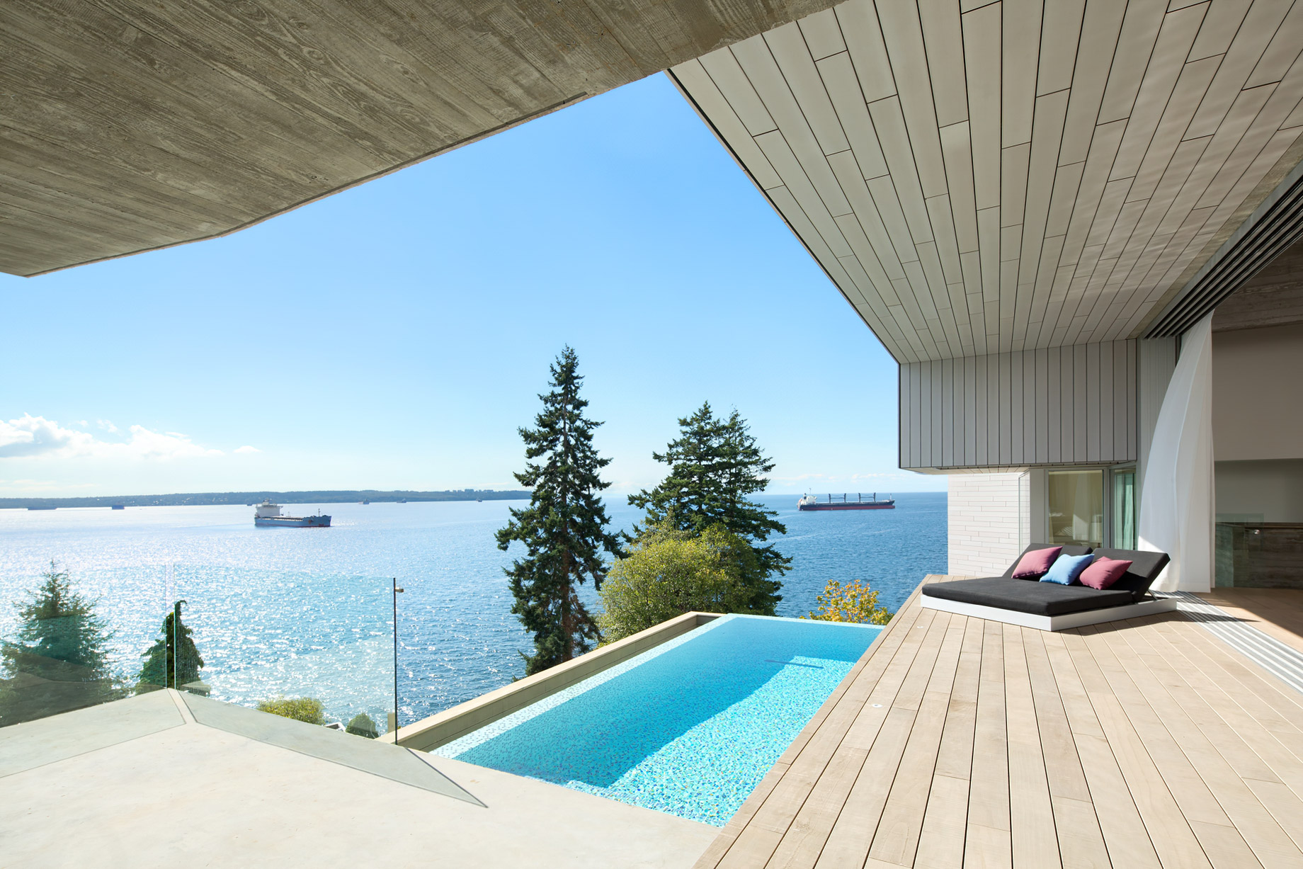 Sunset House Modern Organic Minimalism – West Vancouver, BC, Canada