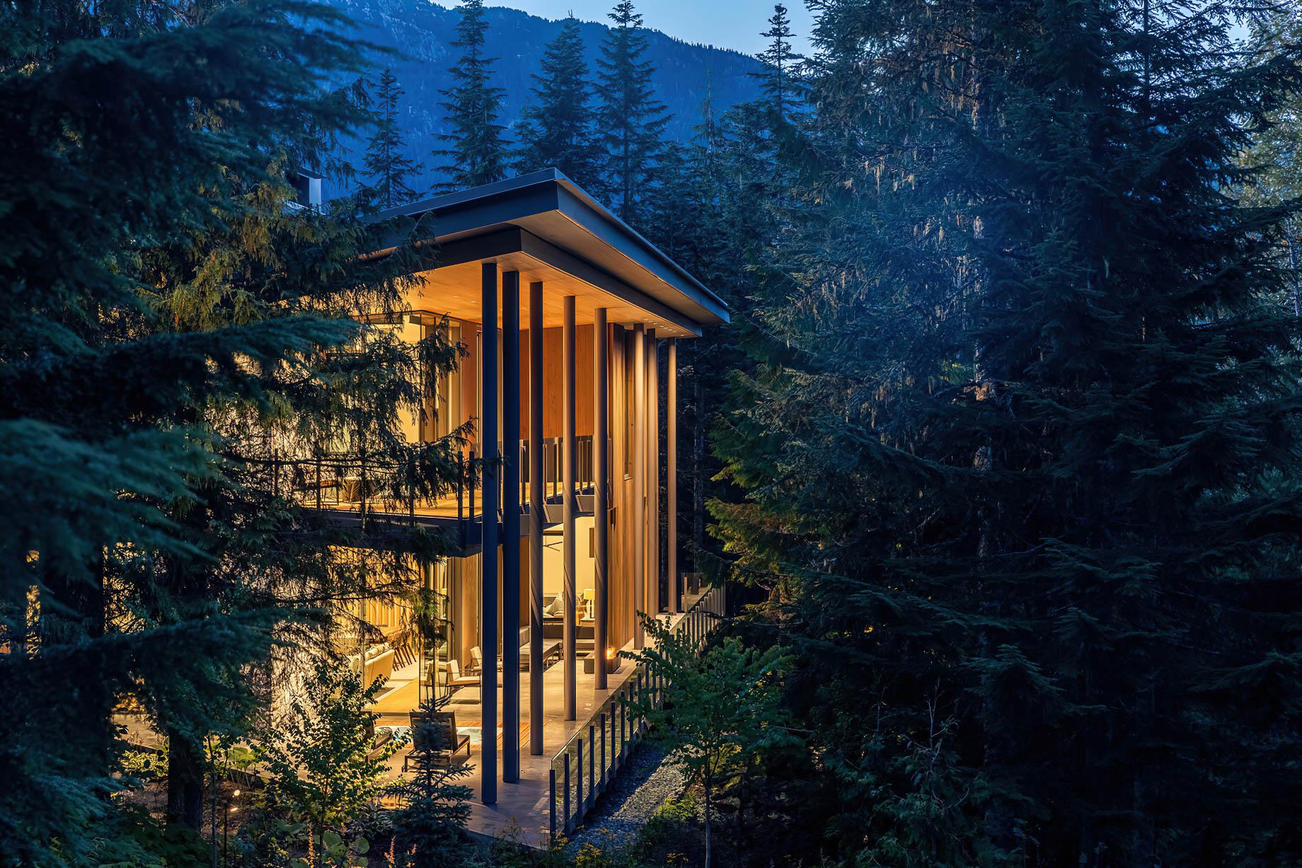 Trails Edge Palatial Luxury Ski Chalet Residence - Whistler, BC, Canada