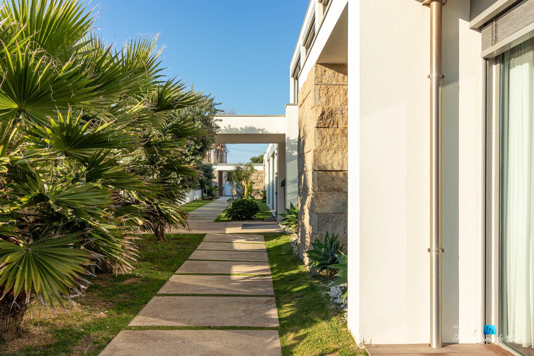 Francelos Beach Luxury T5 Villa - Porto, Portugal - Exterior Walkway - Luxury Real Estate – Modern Home
