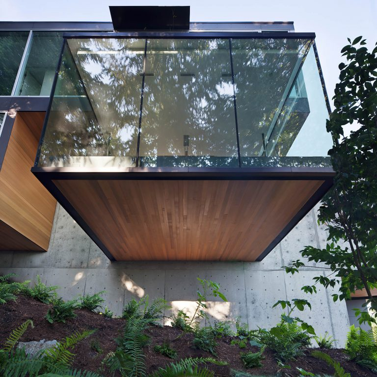 Russet Residence Modern Luxury – Russet Pl, West Vancouver, BC, Canada