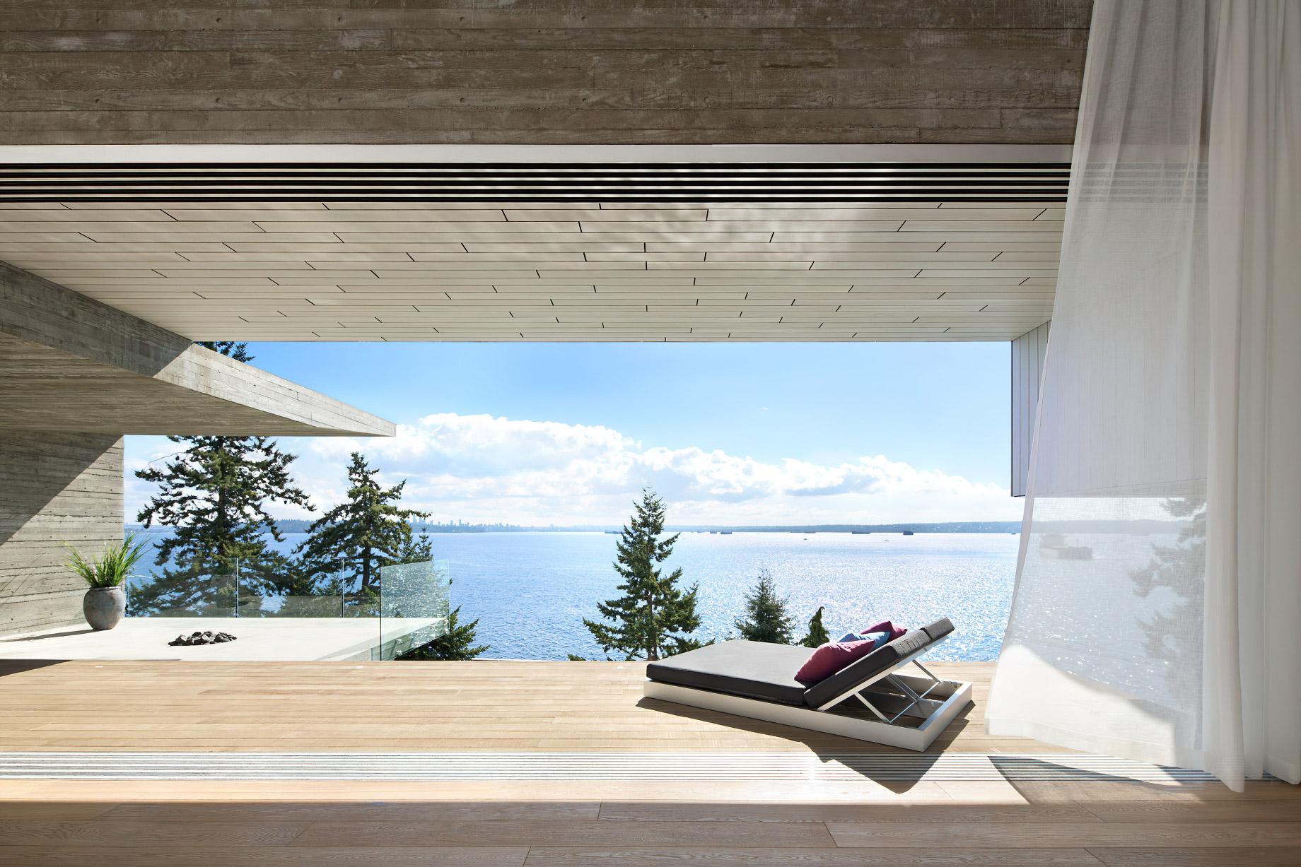 Sunset House Modern Organic Minimalism – West Vancouver, BC, Canada