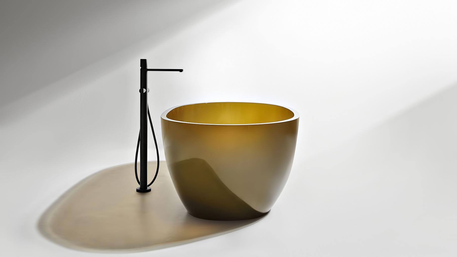 Transparent REFLEX Cristalmood Resin Luxury Bathtub by AL Studio - Gran Cru
