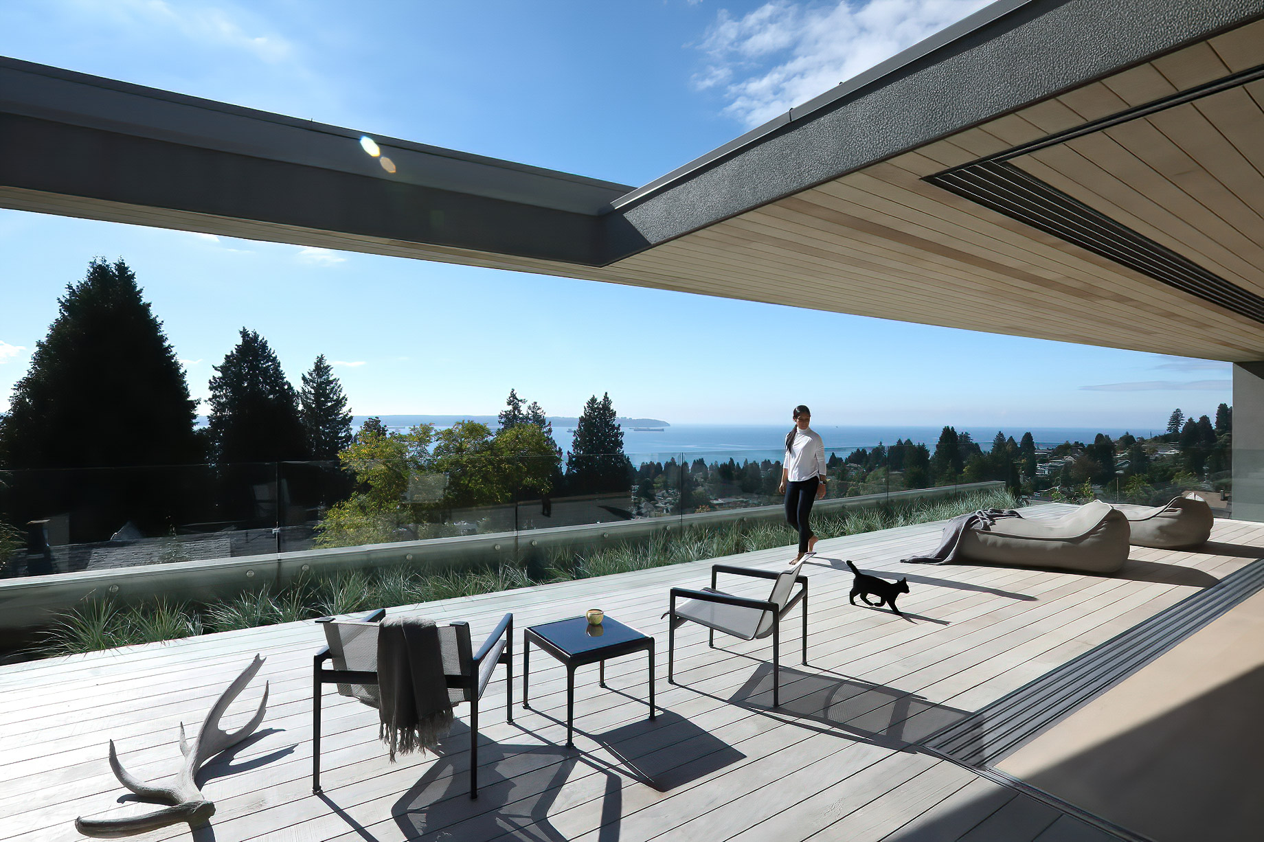 G'Day Aussie Beach House – Palmerston Ave, West Vancouver, BC, Canada