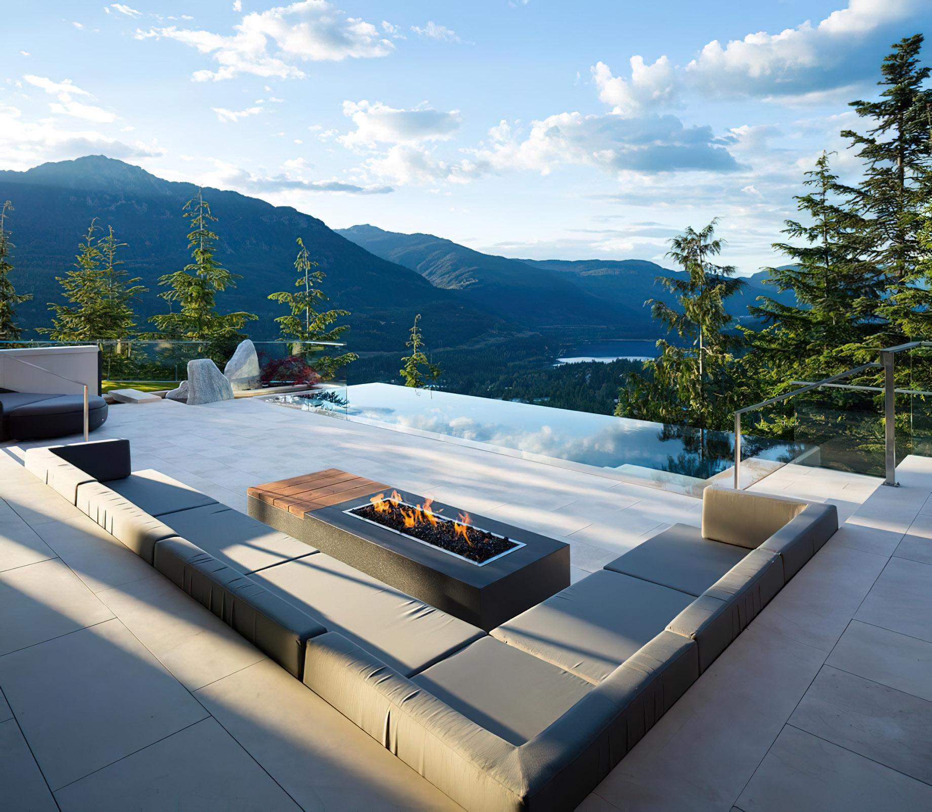 High Point Kadenwood Luxury Estate - High Point Dr, Whistler, BC, Canada
