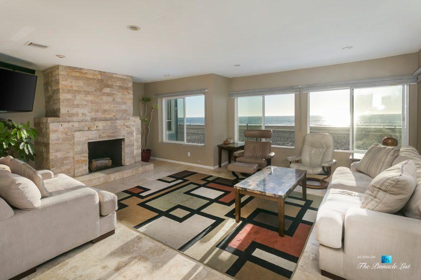 3500 The Strand, Hermosa Beach, CA, USA – Beachfront Living Room - Luxury Real Estate – Original 90210 Beach House - Oceanfront Home
