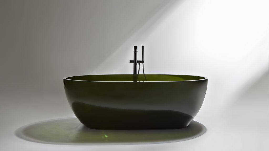 Transparent REFLEX Cristalmood Resin Luxury Bathtub by AL Studio - Oleo