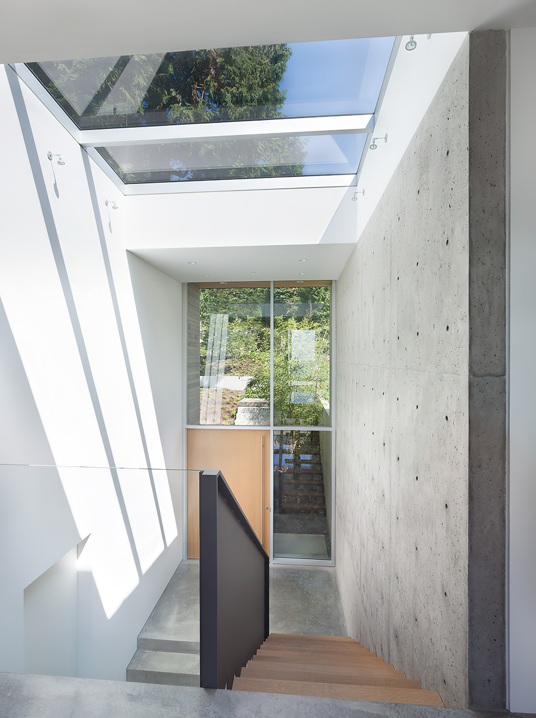 Russet Residence Modern Luxury - Russet Pl, West Vancouver, BC, Canada