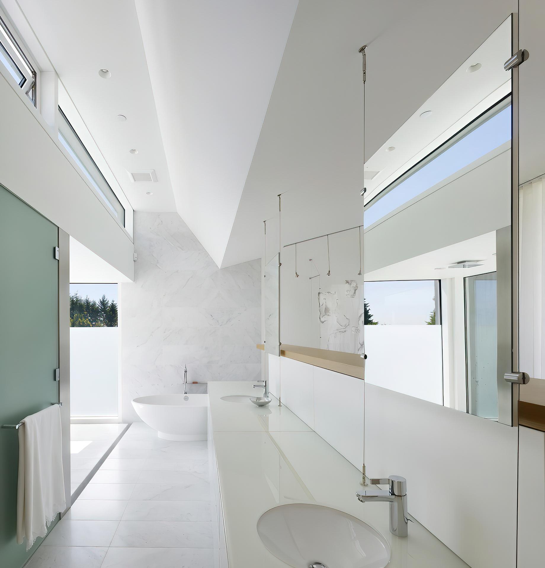 Concrete Glass Dream Home – Fairmile Rd, West Vancouver, BC, Canada
