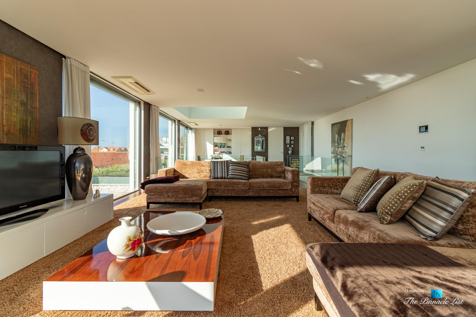Francelos Beach Luxury T5 Villa – Porto, Portugal – Living Room – Luxury Real Estate – Modern Home