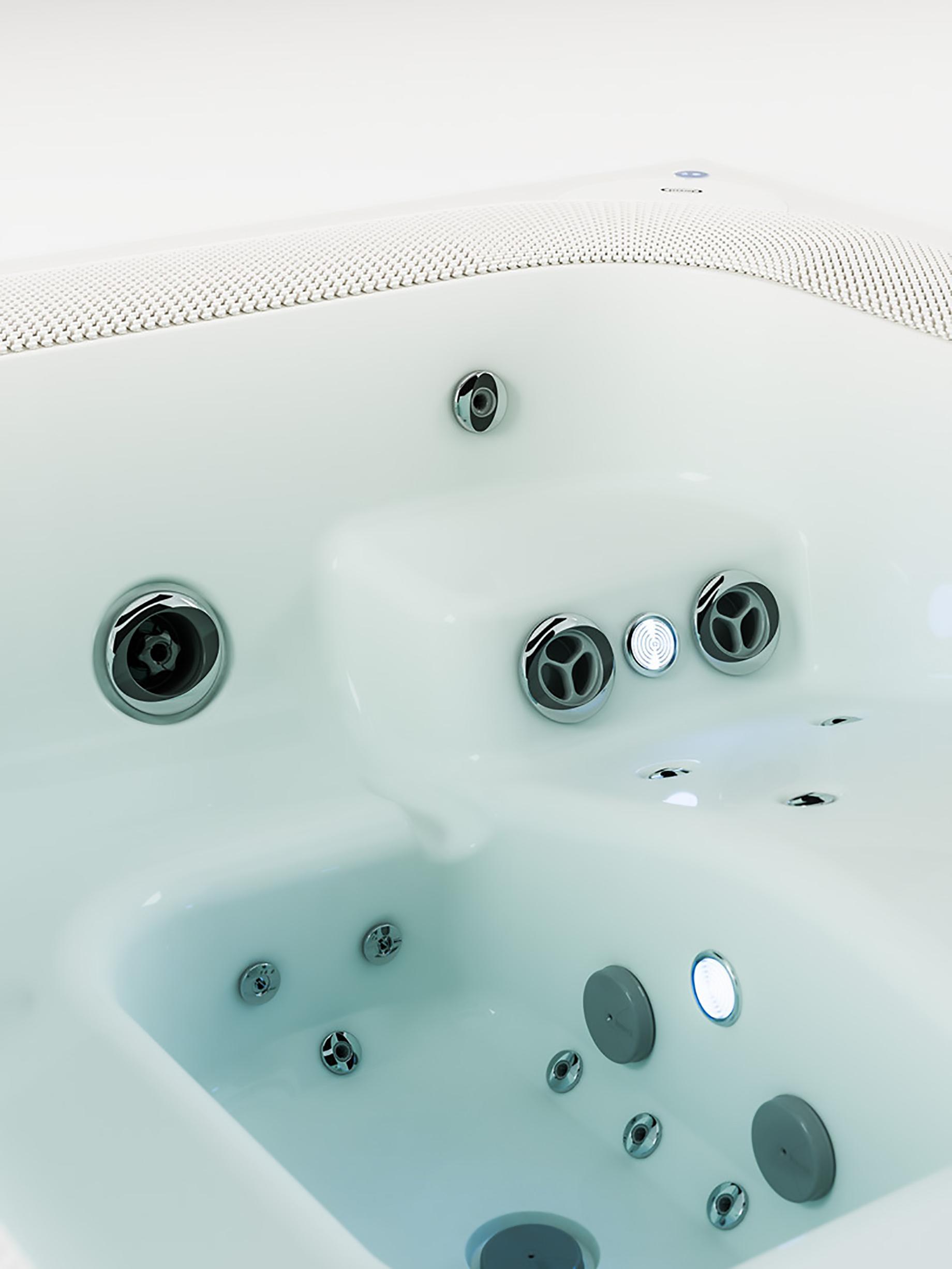 VIRTUS the Ultimate Luxury Hot Tub Hydromassage Spa by Jacuzzi