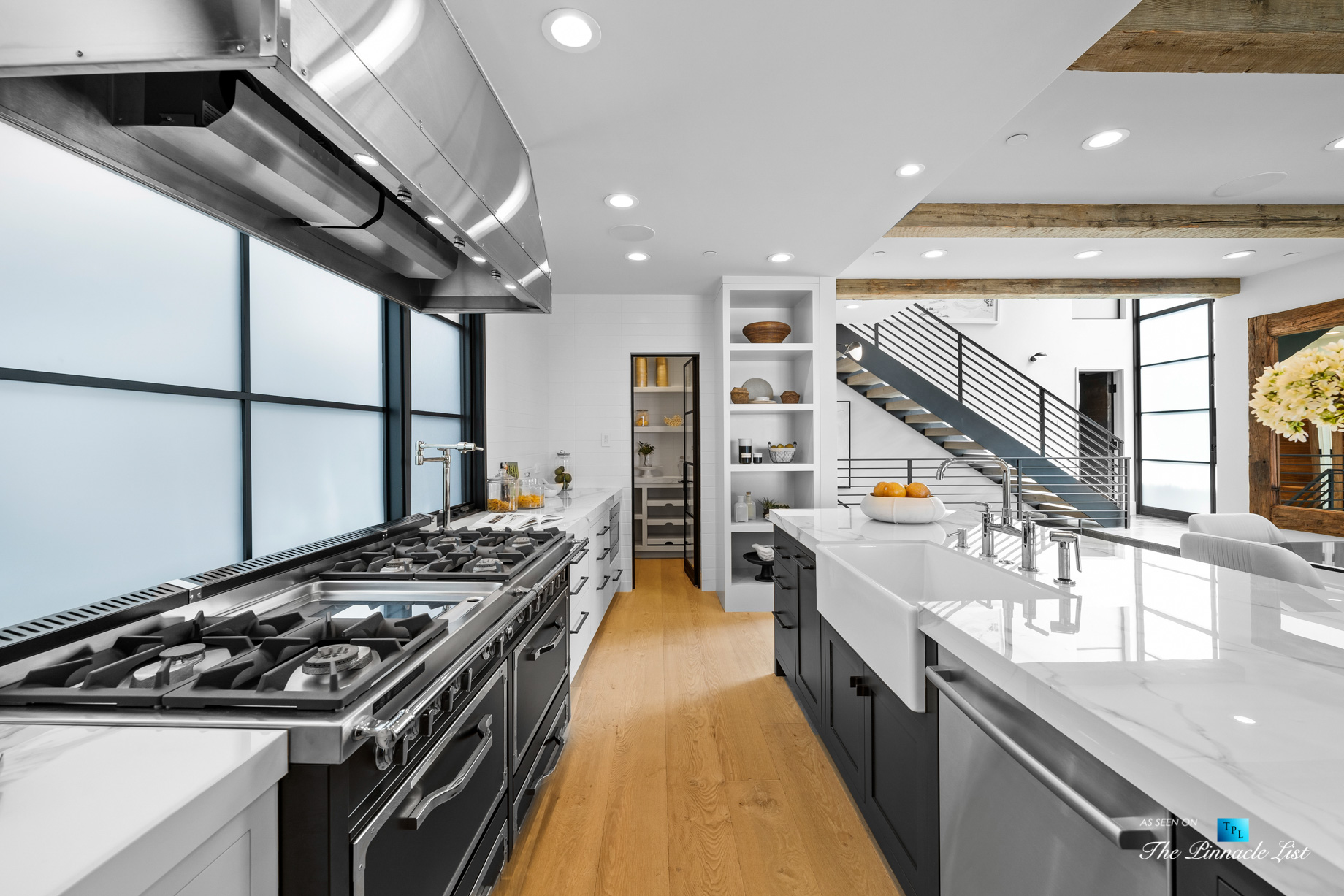 508 The Strand, Manhattan Beach, CA, USA – Kitchen Gas Stoves – Luxury Real Estate – Oceanfront Home