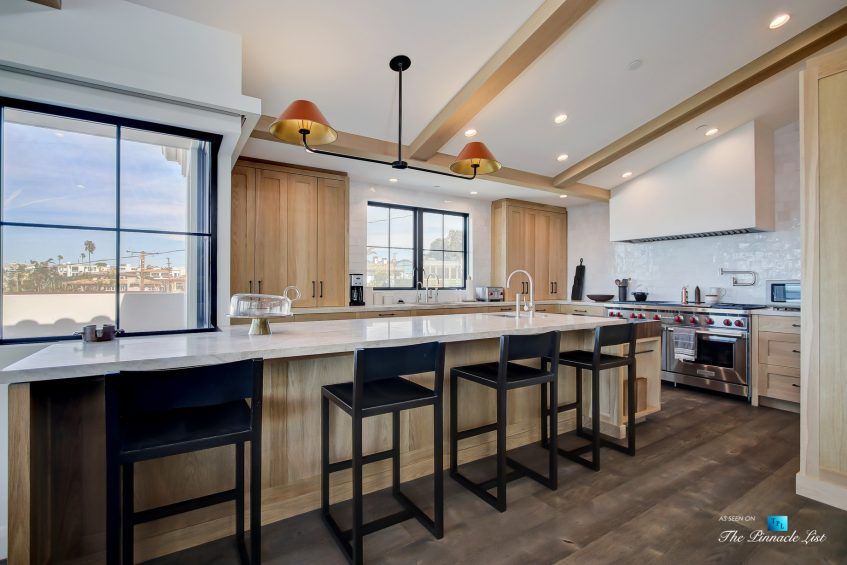 825 Highview Ave, Manhattan Beach, CA, USA - Kitchen Island - Luxury Real Estate - Modern Spanish Home