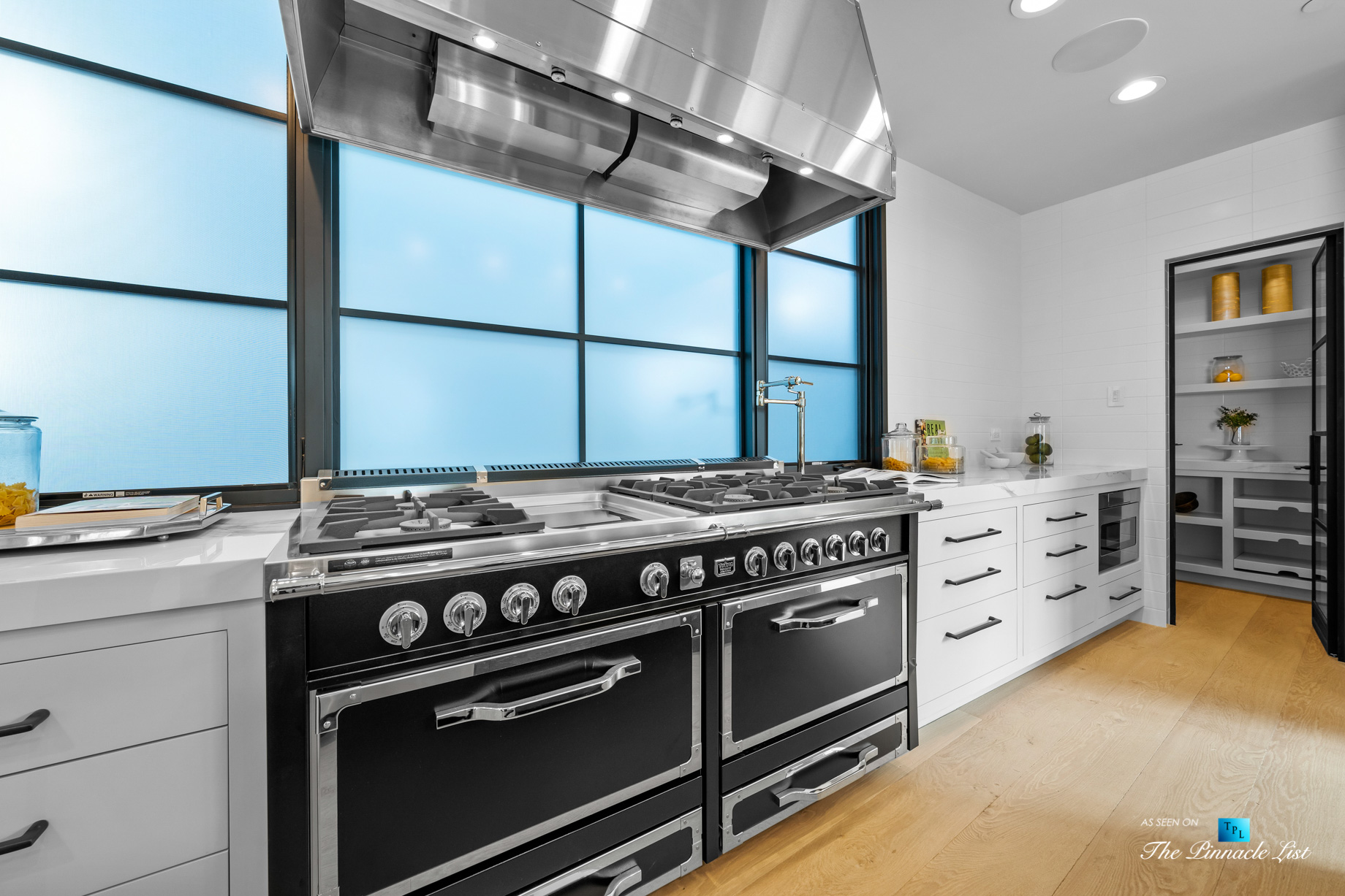 508 The Strand, Manhattan Beach, CA, USA - Kitchen Gas Stoves - Luxury Real Estate - Oceanfront Home
