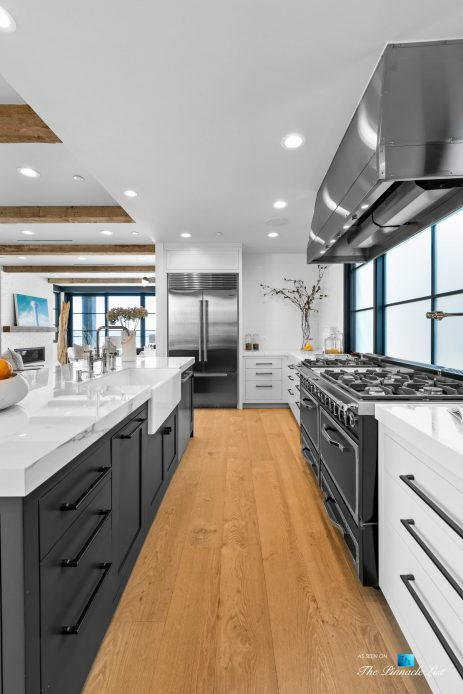 508 The Strand, Manhattan Beach, CA, USA - Kitchen Gas Stoves and Range Hood - Luxury Real Estate - Oceanfront Home