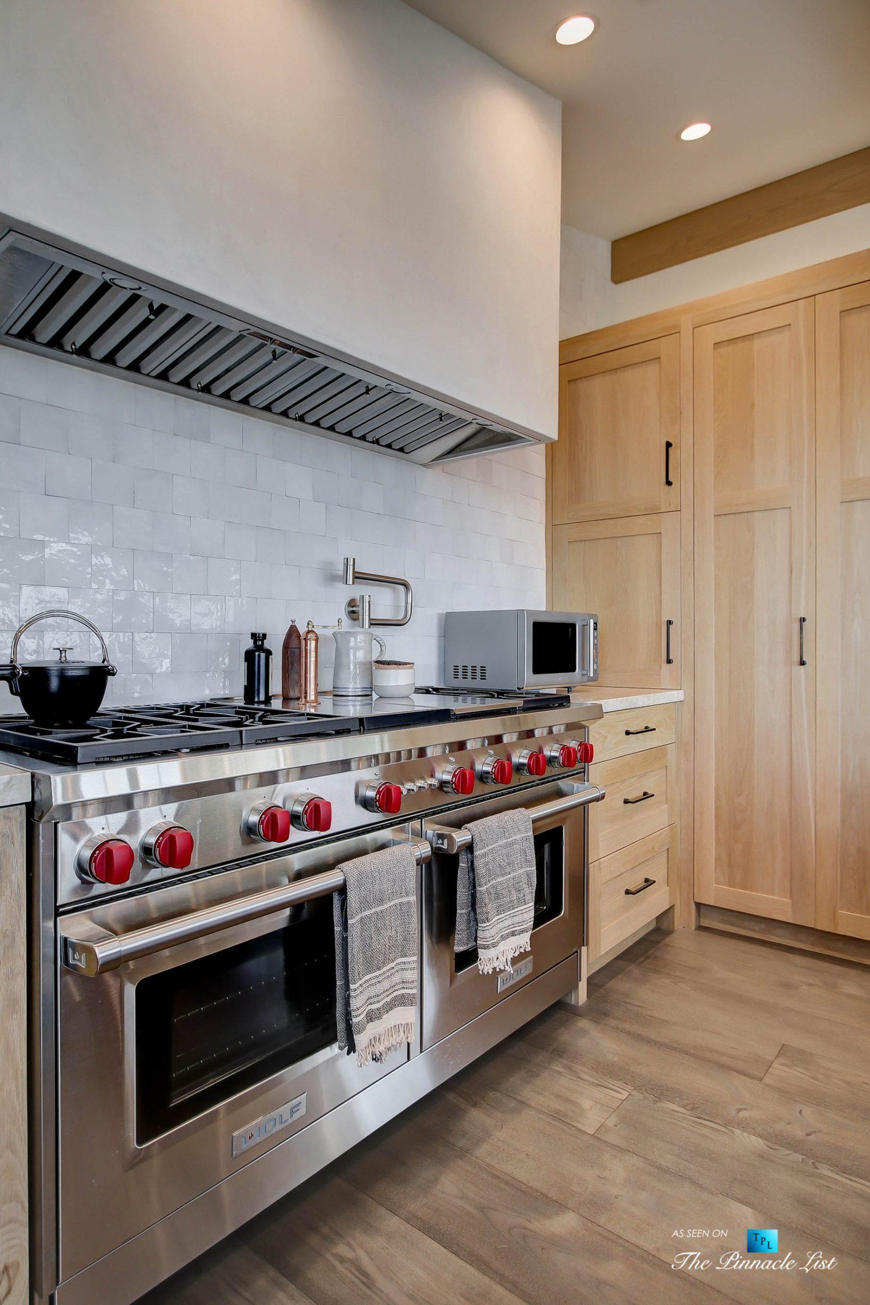 825 Highview Ave, Manhattan Beach, CA, USA - Kitchen WOLF Gas Range and Hood - Luxury Real Estate - Modern Spanish Home